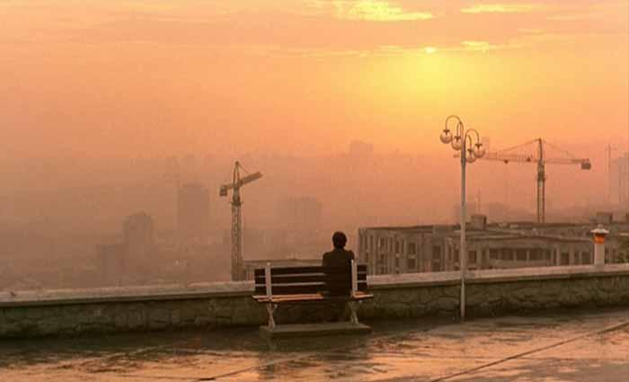 """Frame tratto dal film """"Il sapore della ciliegia"""" di Abbas Kiarostami"""