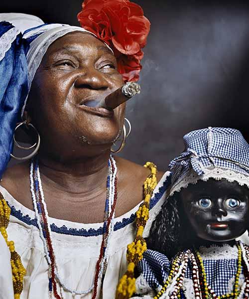 © Andres Serrano. Juana Rios Rios, «Juana de Cubana», Fortune Teller 2012. Courtesy Galerie Nathalie Obadia Paris/Brussels, CUBA SERIES