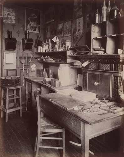 Eugène Atget. Lo studio di Atget, 17 bis rue Campagne-Première, 1910–1911