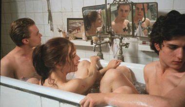 Frame del film The Dreamers di Bernardo Bertolucci