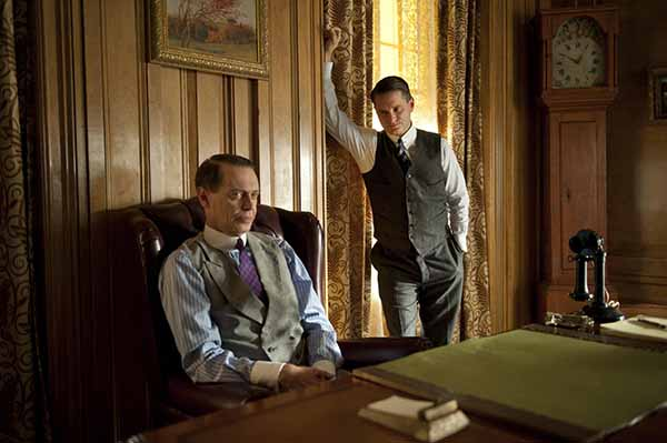 Steve Buscemi e Shea Wigham (frame della serie Tv Boardwalk Empire)