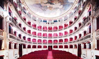 candida_hofer-teatro_mercadante