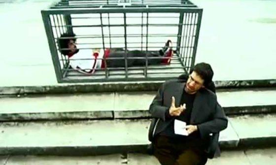 """Frame del video clip """"La mia parte intollerante"""" di Caparezza"""