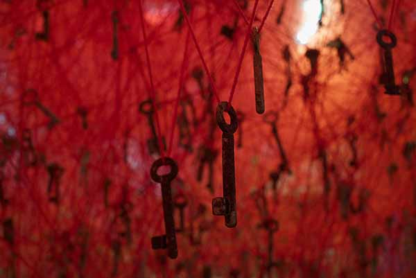 © Chiharu Shiota. The Key in the Hand, 2015. Japan Pavilion at the 56th International Art Exhibition – la Biennale di Venezia, Venice/Italy. photo by Sunhi Mang. Courtesy of Chiharu Shiota