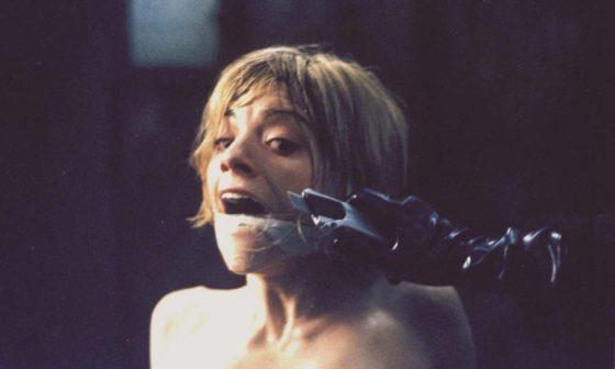 """Frame dal film """"Il cartaio"""" di Dario Argento"""