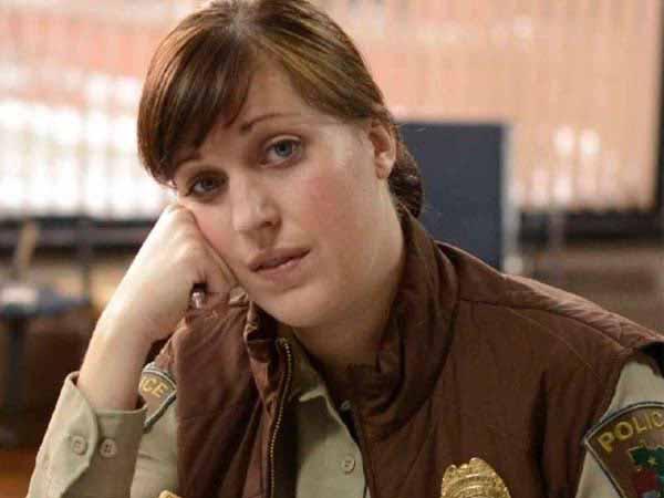 Allison Tollman nel ruolo di Molly Solverson