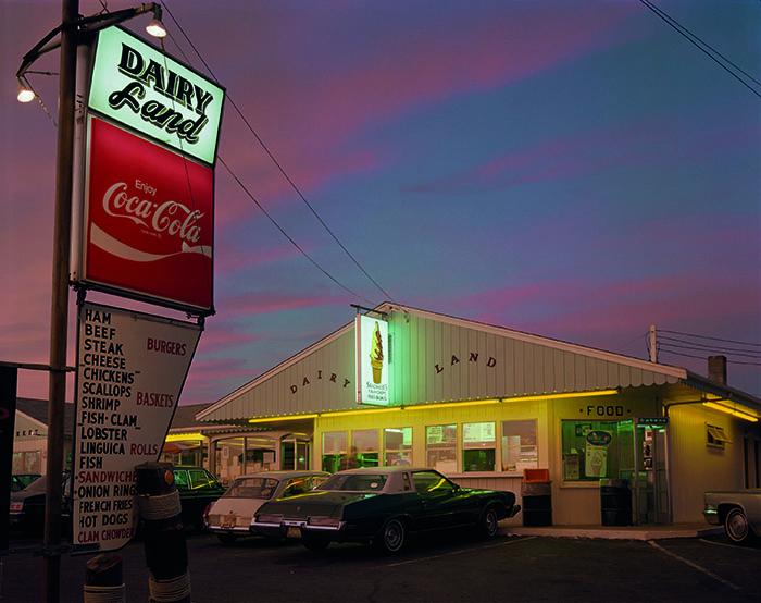 © Joel Meyerowitz. Dairy Land, Provincetown, Massachusetts, 1976.   Courtesy Polka Galerie