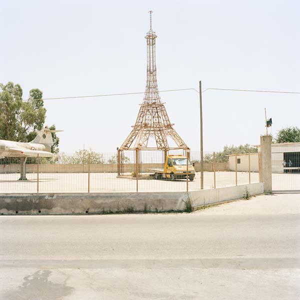 © Francesco Millefiori. Il parcheggio di una ditta di soccorso stradale. Noto (SR), Luglio 2011