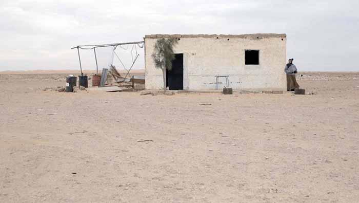 Frame tratto dal film Rue du Desert di Hassen Ferhani