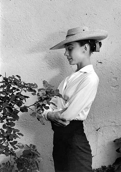 Audrey Hepburn, actress, Durango, Mexico 1958. © Inge Morath/Magnum Photo/FOTOHOF Archiv