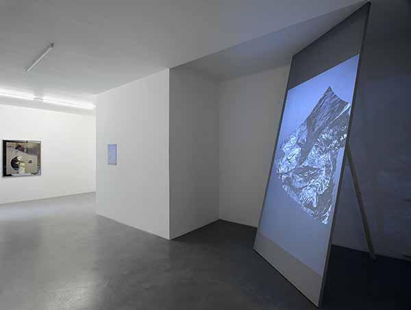 Joe Clark. Shallow Pool. Installation view. Foto: Roberto Apa. Courtesy the artist and Galleria Mario Iannelli