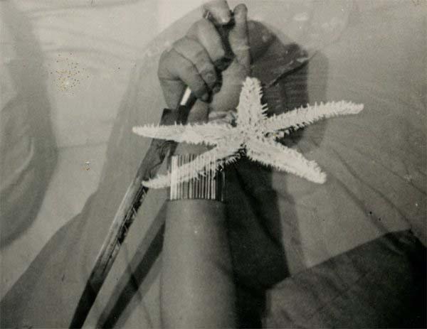 L'étoile de mer (frame). Mise-en-scène e photographie: Man Ray, Assistant opérateur Jacques-André Boiffard