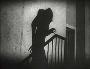 Frame del film Nosferatu di Murnau