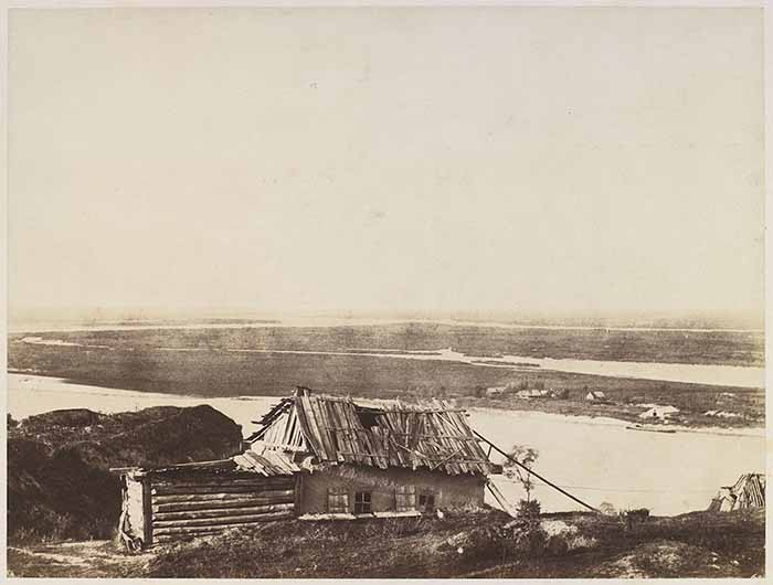 © Roger Fenton. Cottage overlooking the Dnieper, Russia, 1852