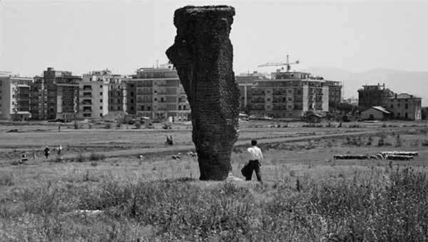"""Frame dal film """"Mamma Roma"""" di Pier Paolo Pasolini"""