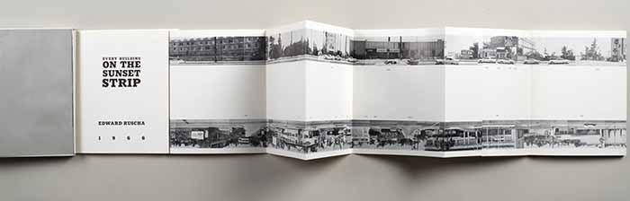 Ed Ruscha. Every Building on the Sunset Strip, 1966. Litografia offset da collage fotografico, cm 17,8 x 14,3 x 1 (chiuso); cm 17,8 x 754 (aperto spiegato). Courtesy Galleria Milano, Milano © Ed Ruscha