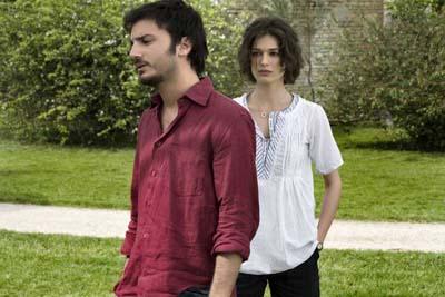Frame dal film Tutto l'amore del mondo di Riccardo Grandi
