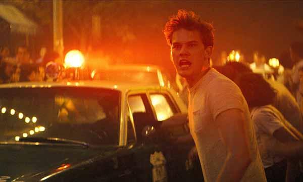 "Frame tratto dal film ""Stonewall"" di Roland Emmerich (2015)"
