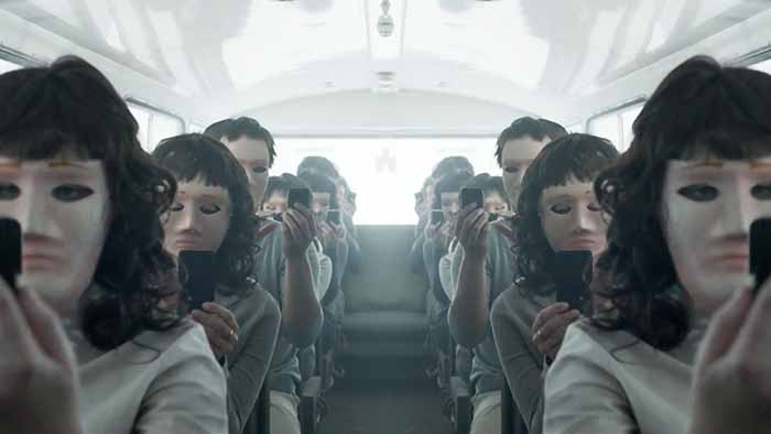 "Frame tratto dalla serie tv ""Black Mirror"""