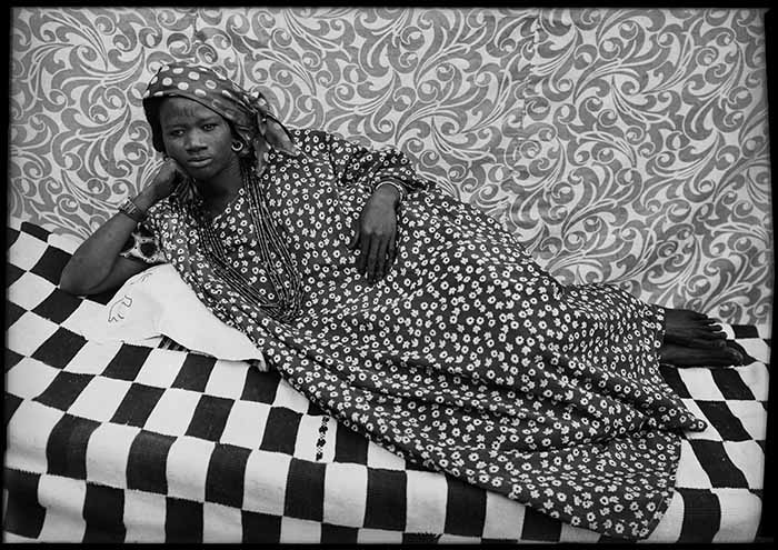 © Seydou Keïta/SKPEAC. Courtesy: CAAC – The Pigozzi Collection & Galerie Nathalie Obadia Paris/Bruxelles