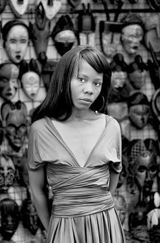 © Zanele Muholi. Kekeletso Khena, Green Market Square, Cape Town, 2012